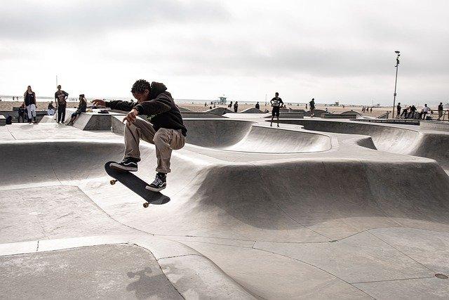 【東京五輪】スケートボード「男子ストリート」の決勝に残った選手で印象的だったのは?   ねとらぼ調査隊